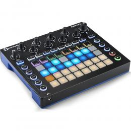 Novation Circuit - Sintetizador modelado analógico